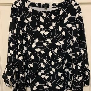 Ann Taylor XL 3/4 Tie Sleeve Ginkgo Print Knit Top